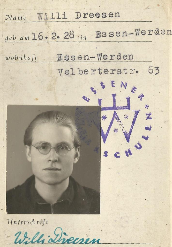 Volkwangschule Ausweis 20jährig in Essen-Werden D